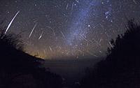 2012 Gemenid Meteor Shower by Kenneth Brandon (click for full size)